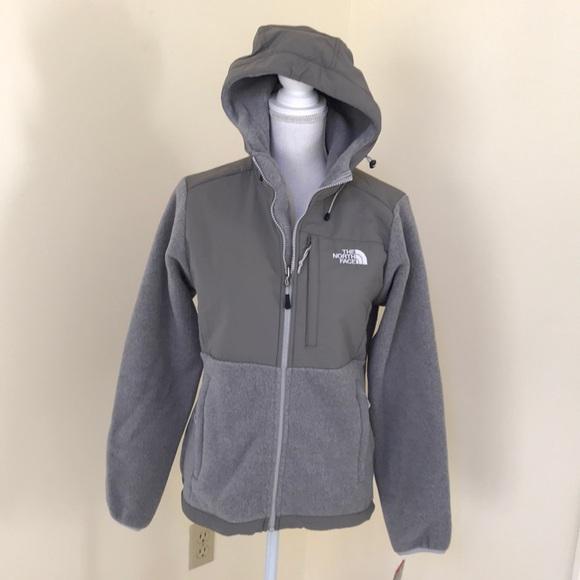 2c9966d10369 The North Face women s grey Denali hoodie